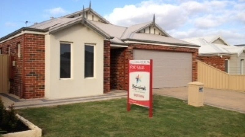 4 Fawcett Cres, Canning Vale, WA 6155