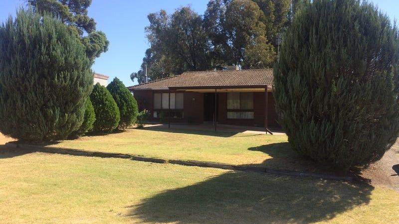 38 Kamarooka Street, Barooga, NSW 3644
