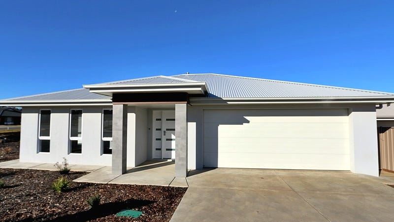 60 Messenger Avenue Boorooma NSW 2650
