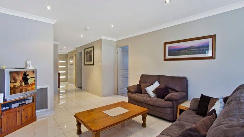 22 Albatross Road, Berkeley Vale, NSW 2261
