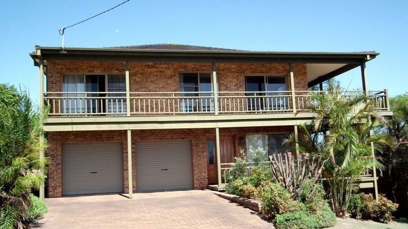 17 Cooinda Street, Black Head, NSW 2430