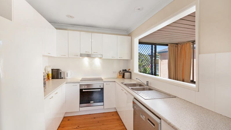 32 Lynnette Cres, East Gosford, NSW 2250