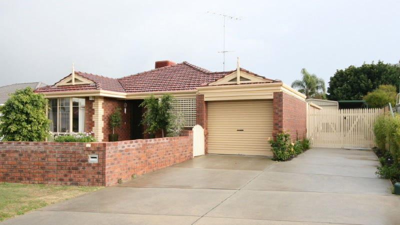 6 St Andrews Loop, Cooloongup, WA 6168
