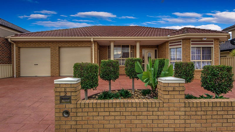 2 Peppermint Grove, Cairnlea, Vic 3023