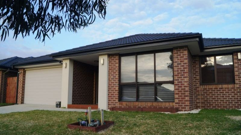 5 Pyrenees Road, Clyde, Vic 3978