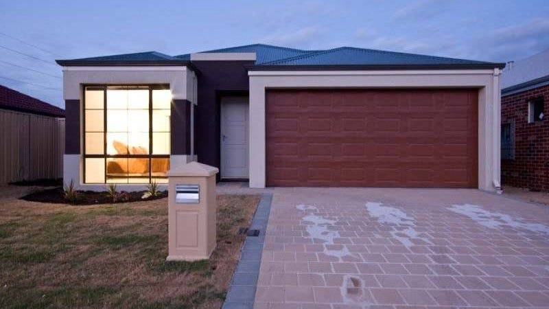 2 Fawcett Cres, Canning Vale, WA 6155