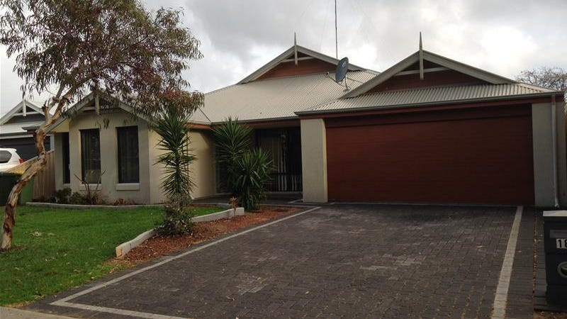 18 Kwella Entrance, Greenfields, WA 6210