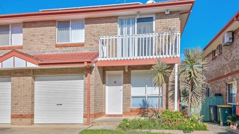 8/8 Wickfield Circuit, Ambarvale, NSW 2560