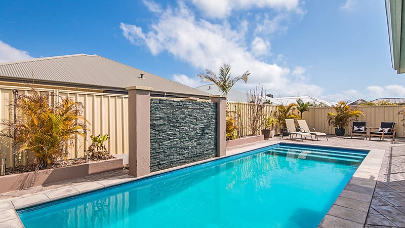 33 Frenchmans Cres, Secret Harbour, WA 6173