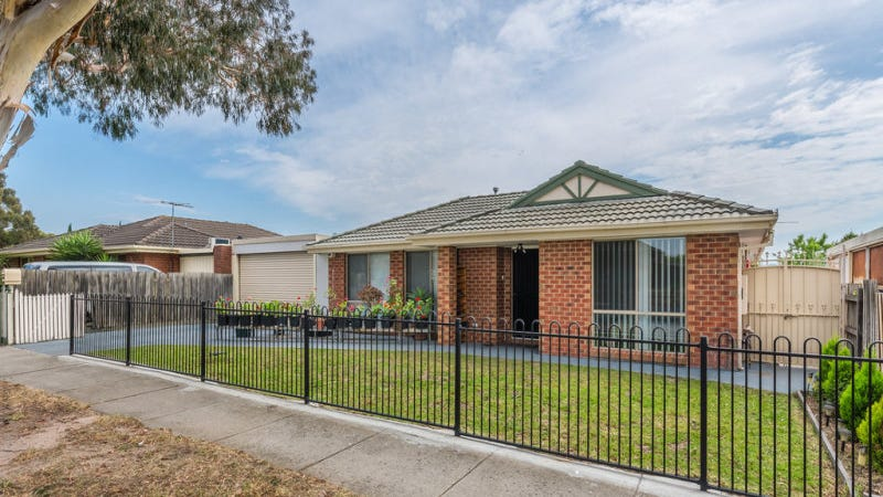 4 Bluegum Way, Hampton Park, Vic 3976