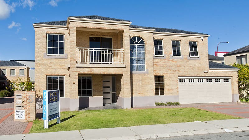 1/8 Batsford Way, Canning Vale, WA 6155