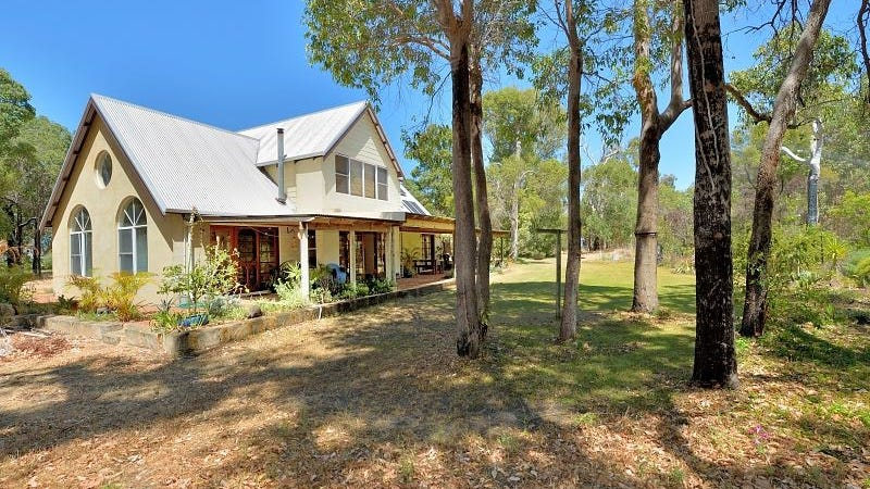 63 Thompson Cres, Lake Clifton, WA 6215