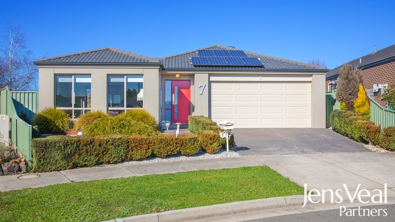 7 Waterside Close, Miners Rest, Vic 3352
