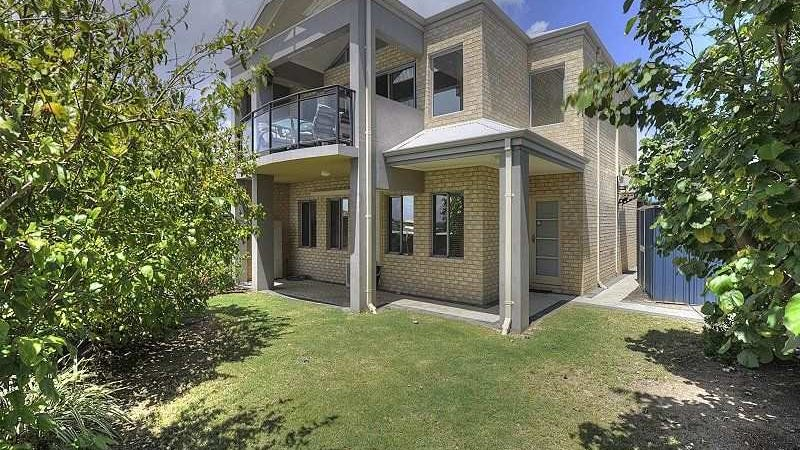 16/6 Valley Road, Halls Head, WA 6210