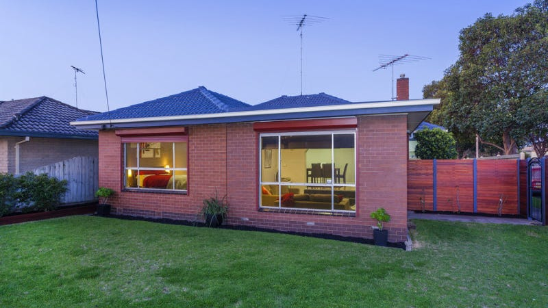 21 Mccurdy Road, Herne Hill, Vic 3218