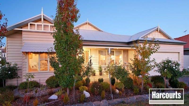 18 Flinders Chase, Pakenham, Vic 3810