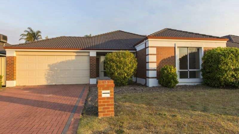 15 Canna Drive, Canning Vale, WA 6155