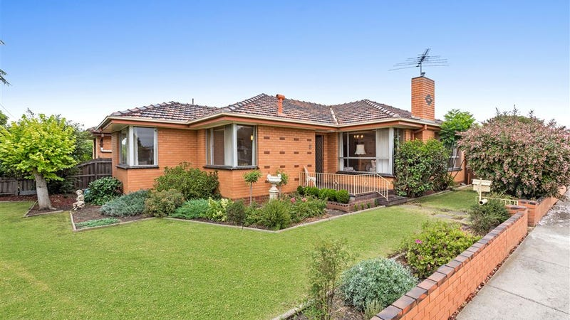 2 Mccurdy Road, Herne Hill, Vic 3218