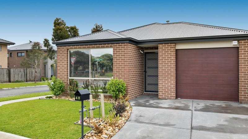 48 Pyrenees Road, Clyde, Vic 3978