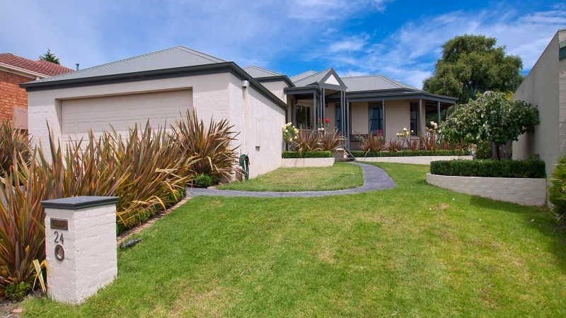 24 Shearer Court, Frankston South, Vic 3199