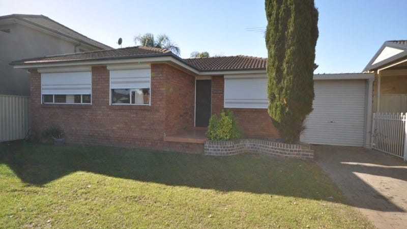 104 Sweethaven Road, Greenfield Park, NSW 2176