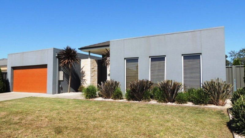 8 Thornley Court, Sale, Vic 3850