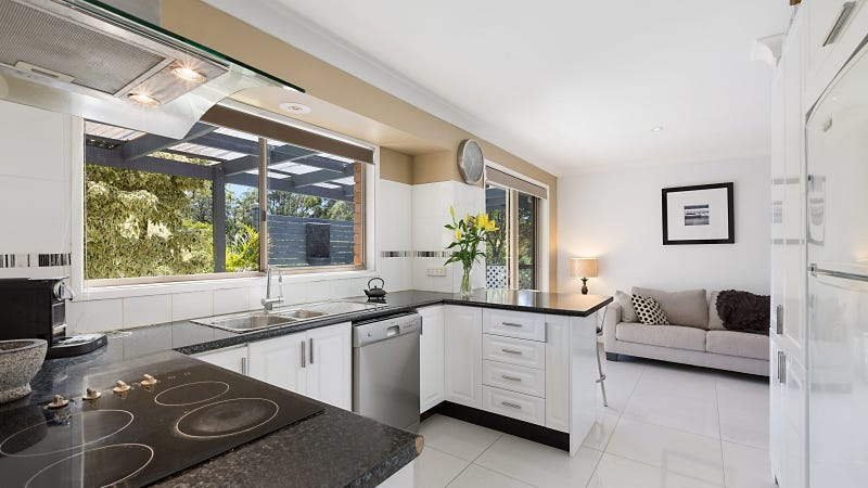 3 Howard Avenue, Green Point, NSW 2251