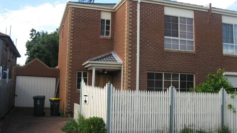 4/3 Watson Grove, Glen Huntly, Vic 3163