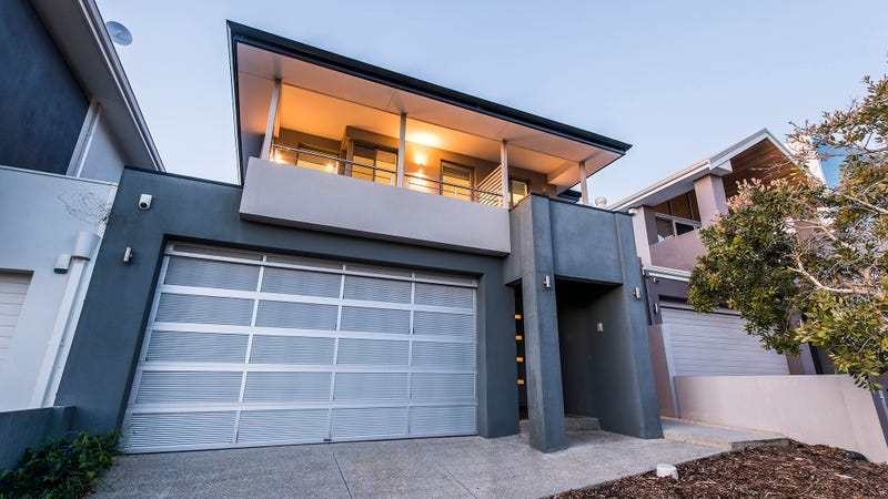 6 Mewstone Cres North Coogee WA 6163