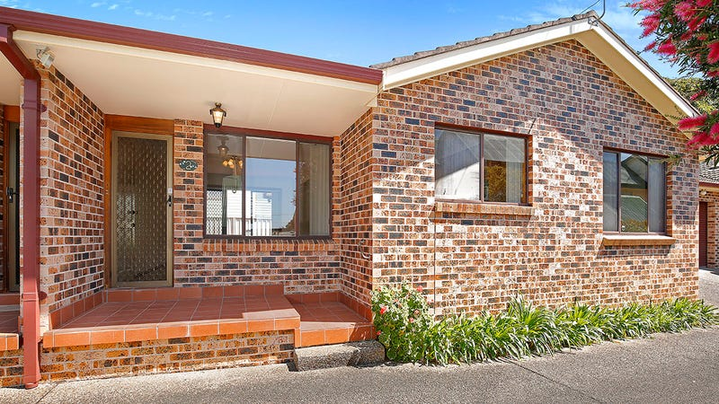 2/111 Balgownie Road, Balgownie, NSW 2519