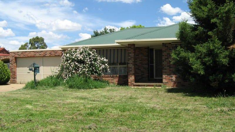 8 Chambers Place, Wagga Wagga, NSW 2650
