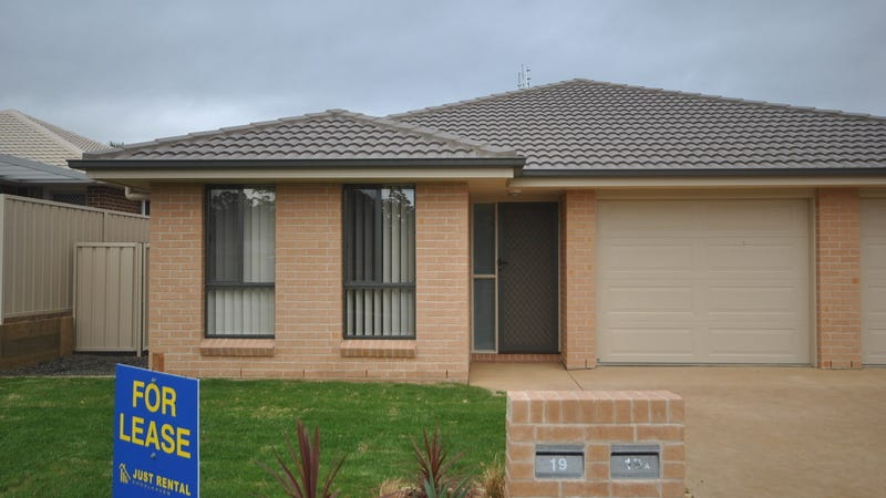 19 Candlebark Close, West Nowra, NSW 2541