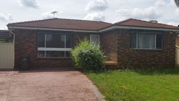 98 Sweethaven Road, Greenfield Park, NSW 2176