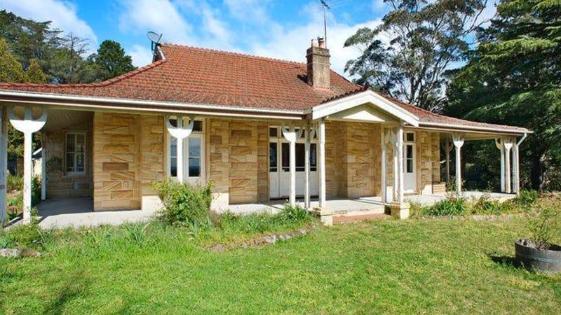 2 Fitzstubbs Avenue, Wentworth Falls, NSW 2782
