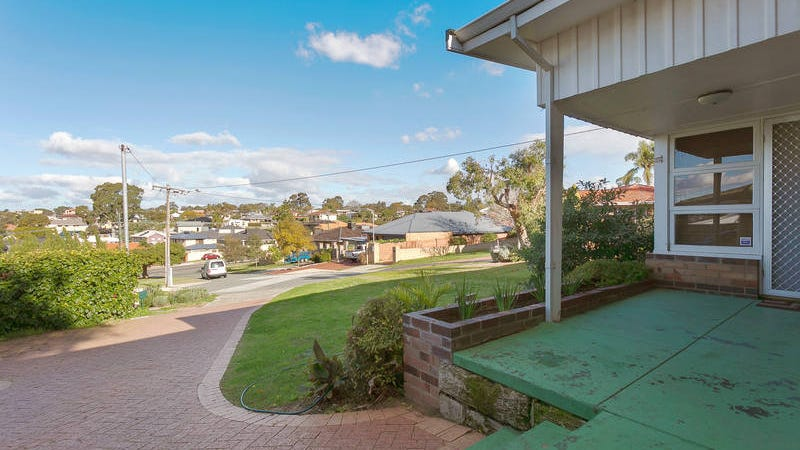 2 Marmion Court, Melville, WA 6156