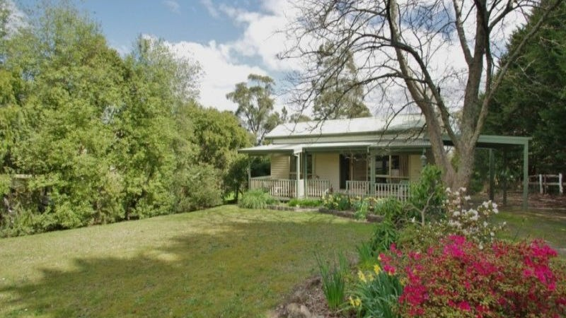 104 Badger Creek Road, Healesville, Vic 3777