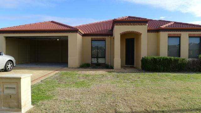 7 Haigh Road, Canning Vale, WA 6155