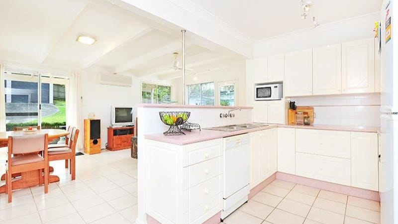 39 Albatross Road, Berkeley Vale, NSW 2261