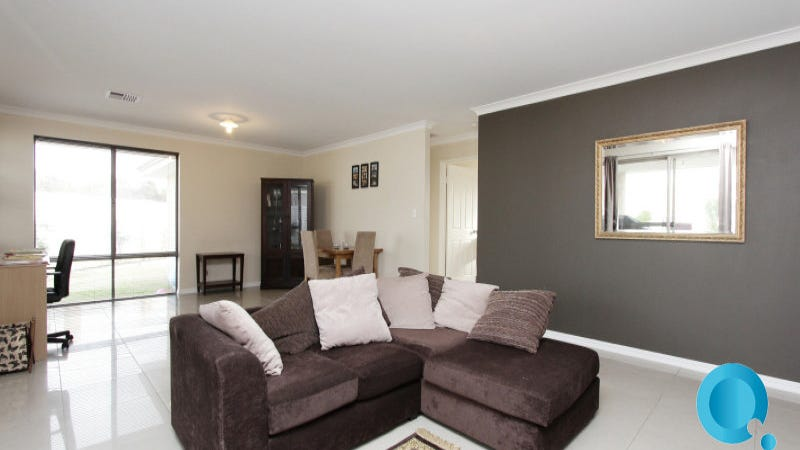 11 Kinsale Pwy, Canning Vale, WA 6155