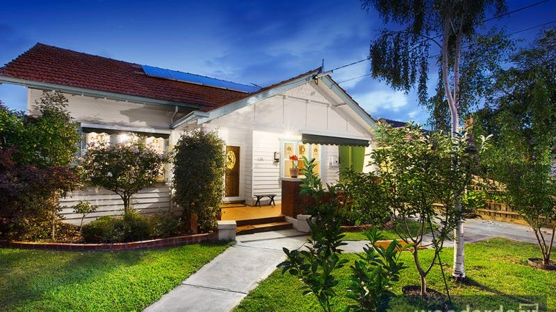 32 Kangaroo Road, Murrumbeena, Vic 3163