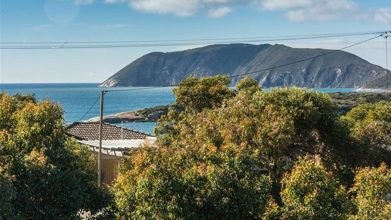 22 St Georges Cres, Goode Beach, WA 6330