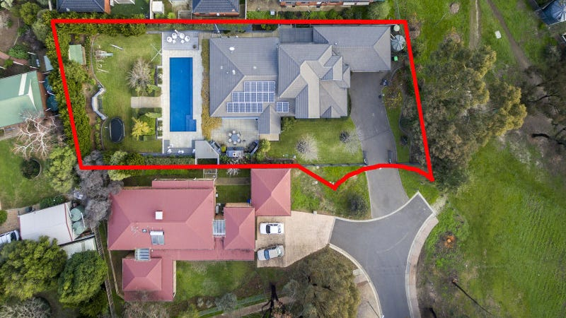 10 Peppertree Grove, Strathdale, Vic 3550