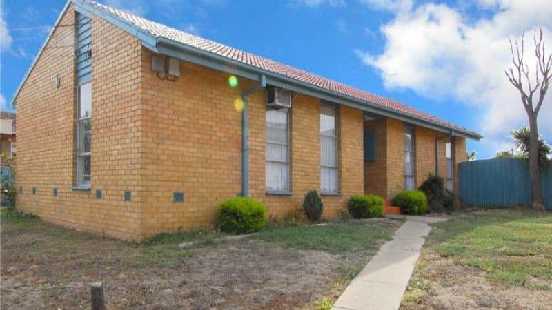 24 Mccoubrie Avenue, Sunshine West, Vic 3020