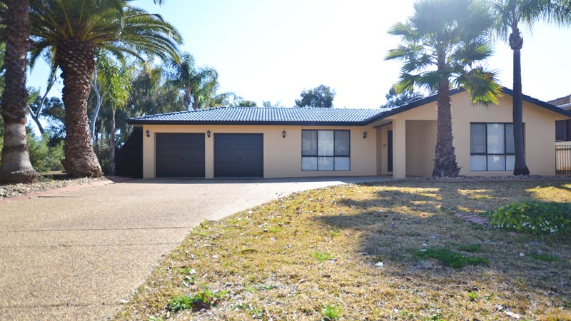 18 Overdale Drive, Bourkelands, NSW 2650