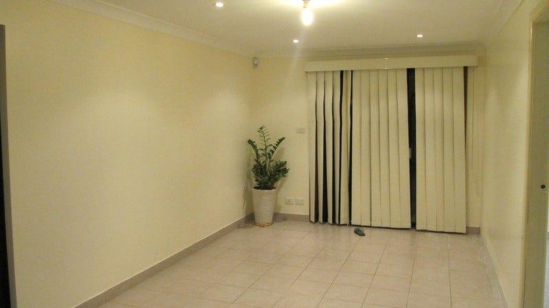15 Lynesta Avenue, Fairfield West, NSW 2165