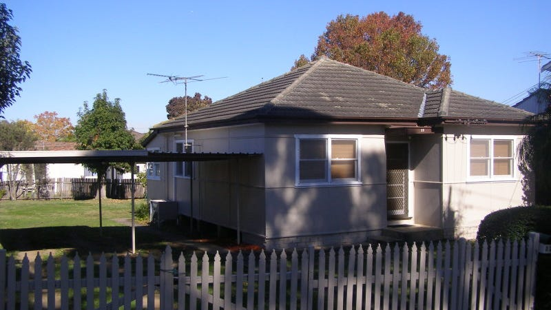 33 Madeline Street, Fairfield West, NSW 2165