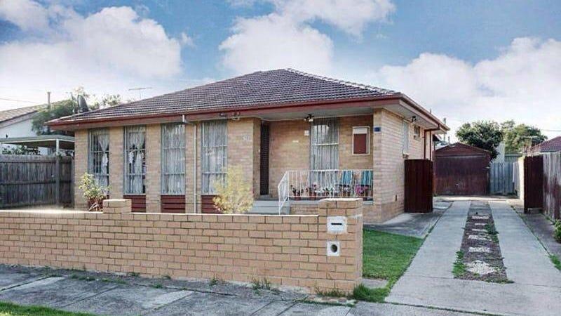18 Crossley Cres, Coolaroo, Vic 3048