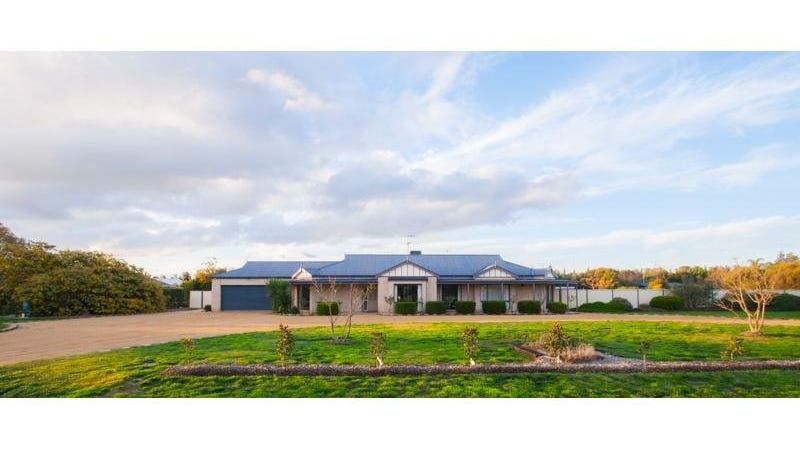 48 Chelsworth Drive, Echuca, Vic 3564