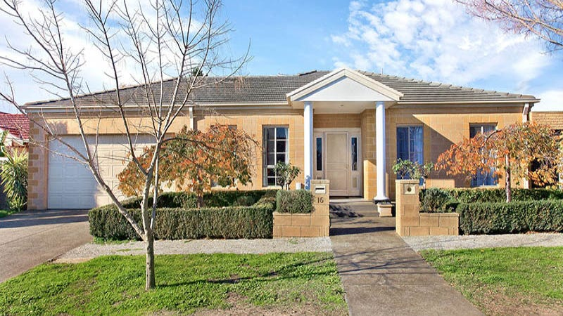15 Sturrock Court, Mill Park, Vic 3082
