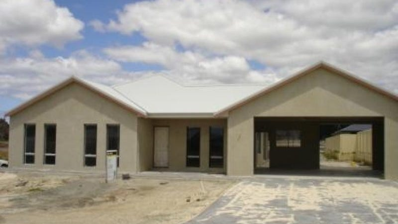 16 Goddard Way, Mckail, WA 6330